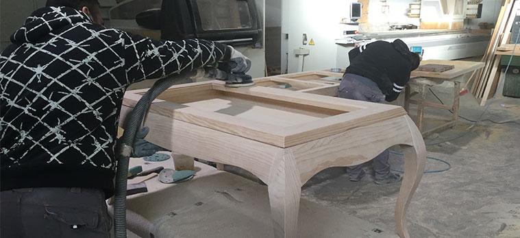 lijado de muebles en fabrica tante