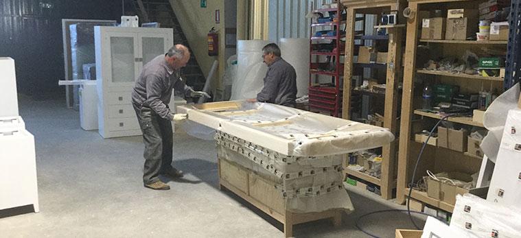 proceso de embalaje en fabrica muebles tante