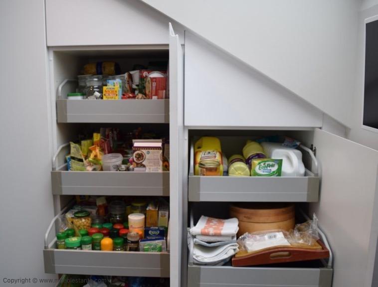 Muebles de Cocina - Ref. 0138 - Detalle almacenaje.